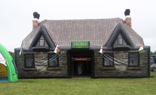 inflatable_pub